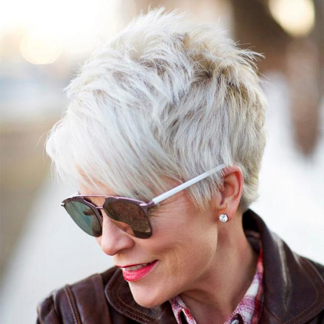 25 Gorgeous Hairstyles For Women Over 50 Ilovefacts Net